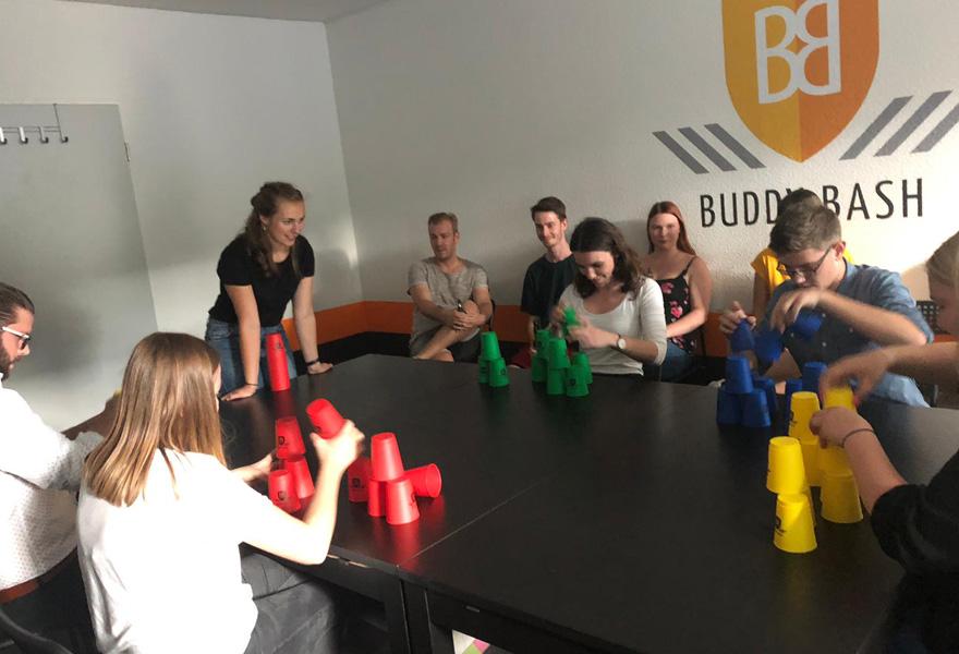 BuddyBash Becher Challenge